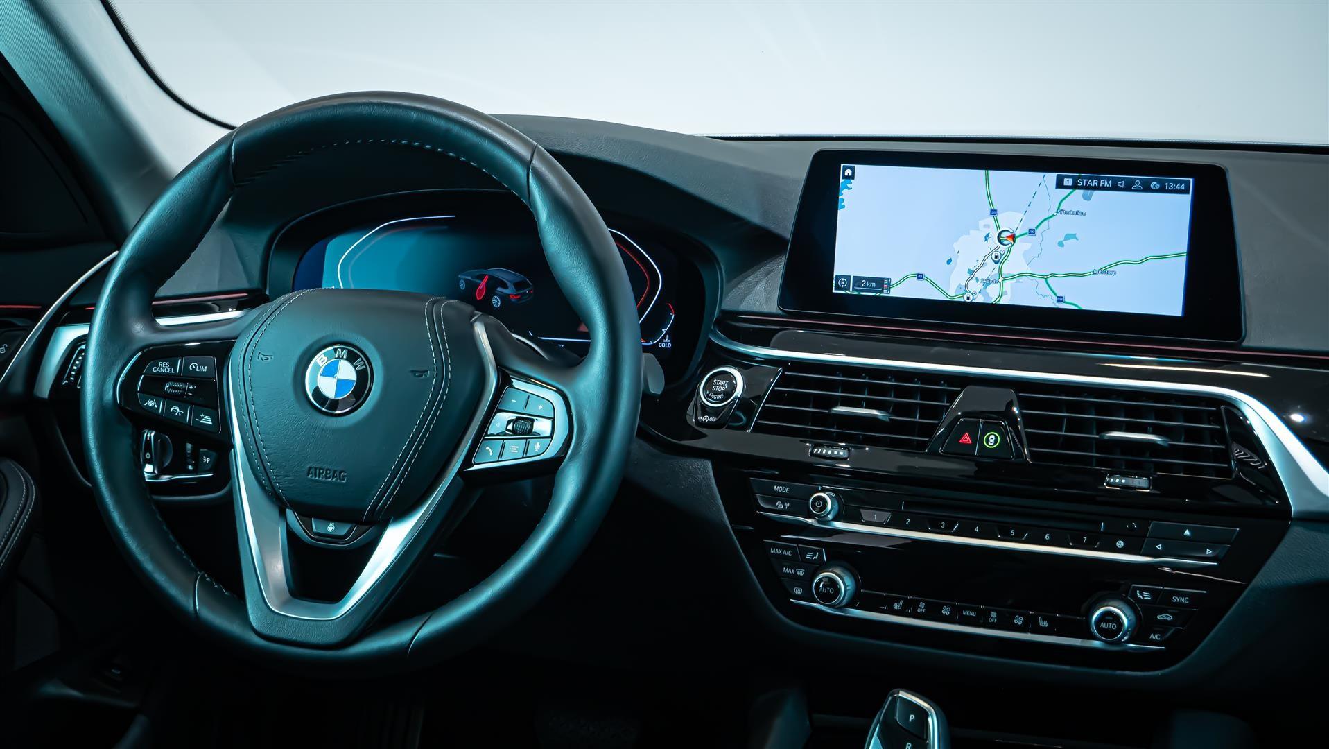 BMW 520d xDrive Touring Navi Värmare Driving Assistant Plus Drag_11